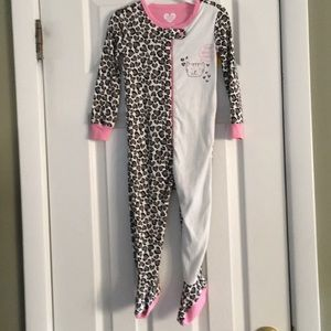 THE CHILDRENS PLACE FOOTED PAJAMAS NWT